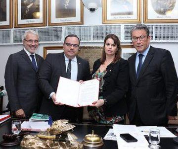 ISM celebra convênio institucional com IAB Nacional